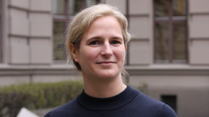 Jessica Lönn-Stensrud - Universitetsforlaget - portrett