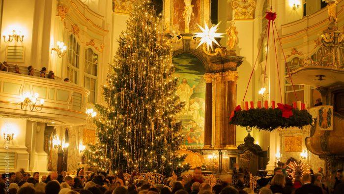 Julegudstjeneste-Universitetsforlaget