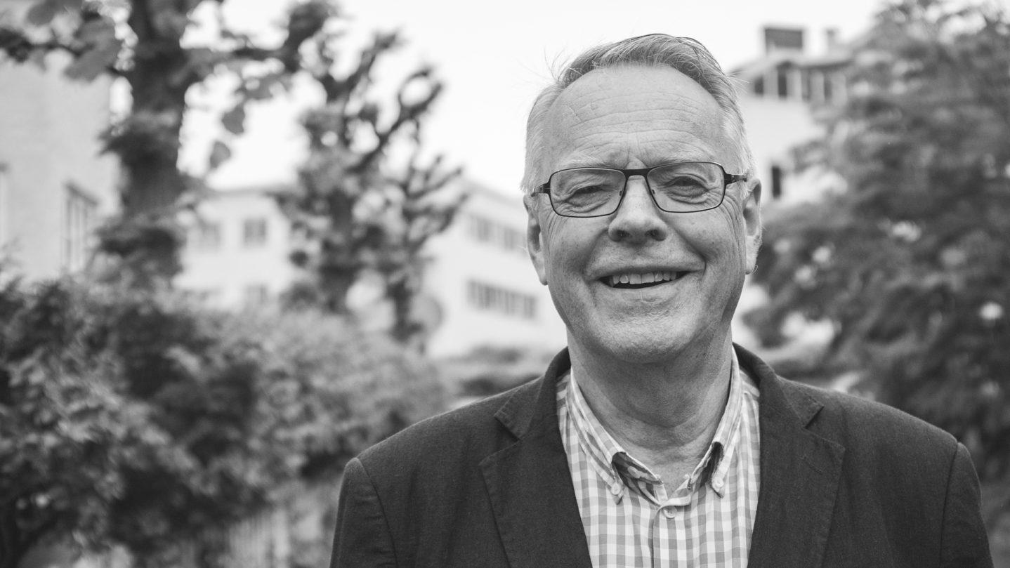 Kjell-Gunnar-Hoff-portrett-Gundersen-og-Meg-Universitetsforlaget1