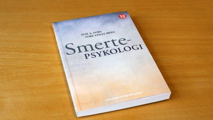 Smertepsykologi_Fors-og-Stiles_Universitetsforlaget