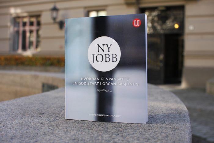 Det er lett å tenke at ansettelsesprosessen er over når den best egnede personen har sagt ja til jobben. Men egentlig har prosessen så vidt begynt, skriver Ingvild Sagberg, forfatter av «Ny jobb».